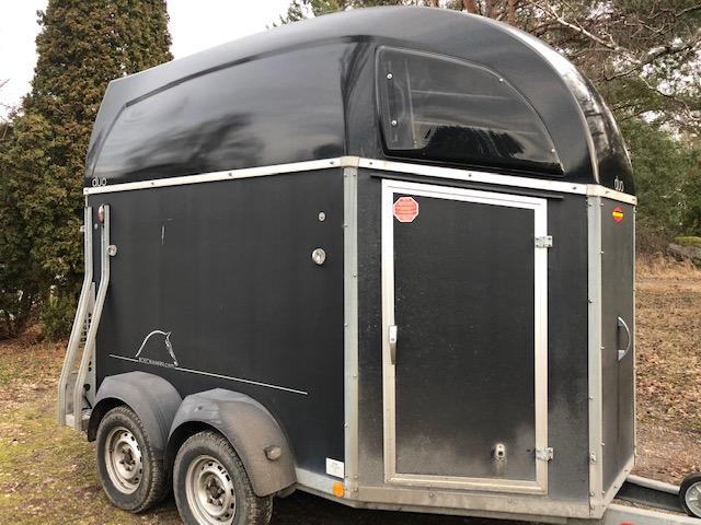 Böckmann DUO-C -13 hästsläp utan sadelkammare aluminiumgolv hos Släpgrossisten i Stockholm Uppsala Mälardalen