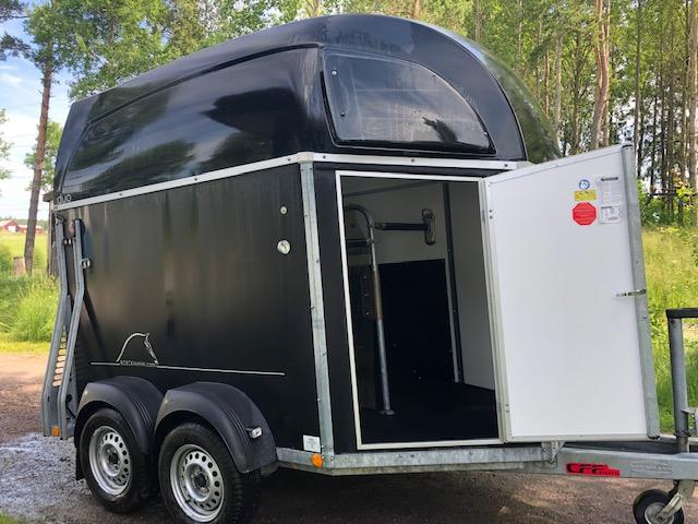 Böckmann Duo-C -14 hästsläp – med aluminiumgolv!